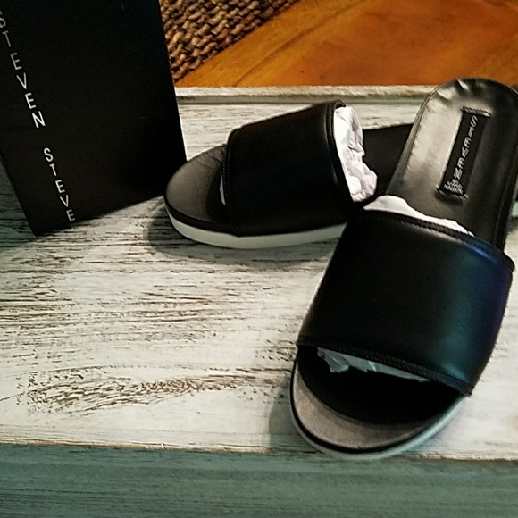 1a45d88a9ac STEVEN BY STEVE MADDEN BLACK LEATHER SLIDES SIZE 9